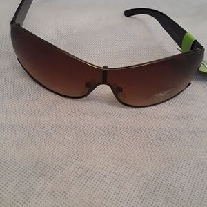 New With Tags Envy Sunglasses Brown